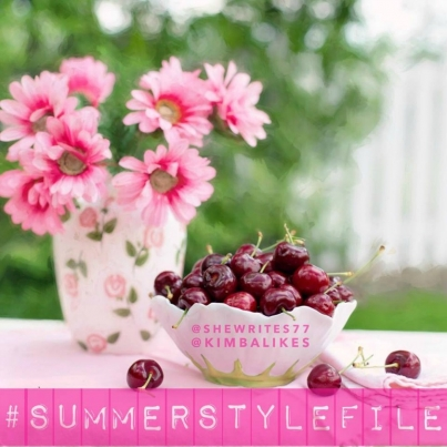 Kimba Likes Summer Style File Style Challenge - to celebrate the first week of summer, Sarah from She Writes and I are hosting the Summer Style File style challenge! Join in by following the daily prompt and sharing your #everydaystyle on Instagram and Facebook #SummerStyleFile #StyleChallenge #shewrites #kimbalikes